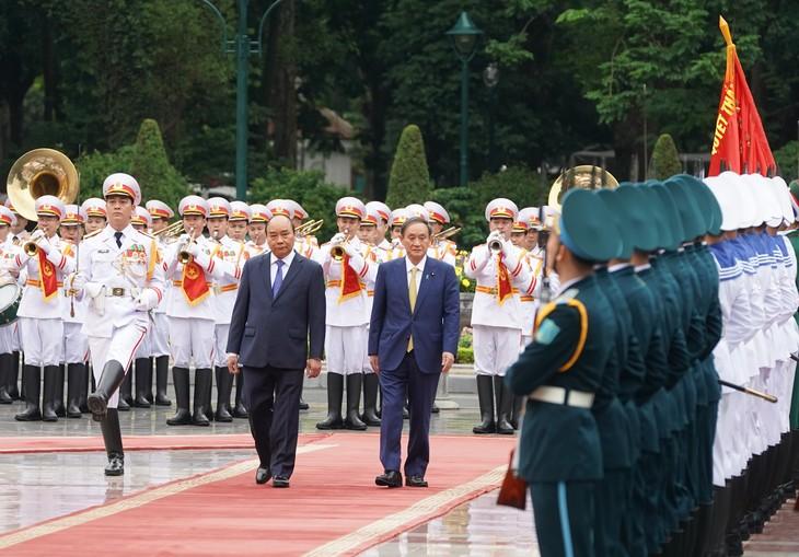 Sáng 19/10, tại Phủ Chủ tịch, Thủ tướng Nguyễn Xuân Phúc chủ trì lễ đón trọng thể Thủ tướng Nhật Bản Suga Yoshihide - Ảnh: VGP