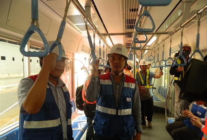Đoàn tàu đầu tiên tuyến metro Bến Thành – Suối Tiên đã được TPHCM nhập về Depot Long Bình sẵn sàng chạy thử nghiệm