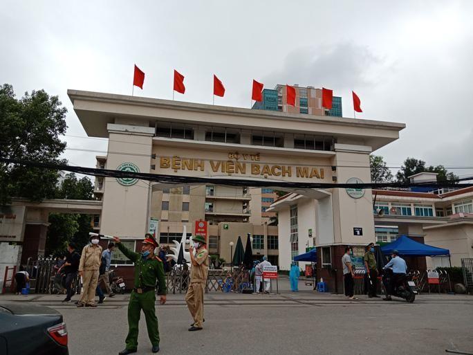 Bệnh viện Bạch Mai thông báo tăng giá khám bệnh yêu cầu từ ngày 1/4