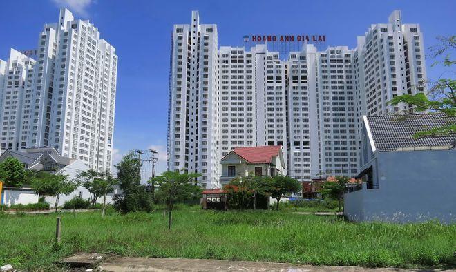 Chung cư Phú Hoàng Anh, nơi nhiều cư dân có nhà nhưng không được vào ở suốt 4 năm qua