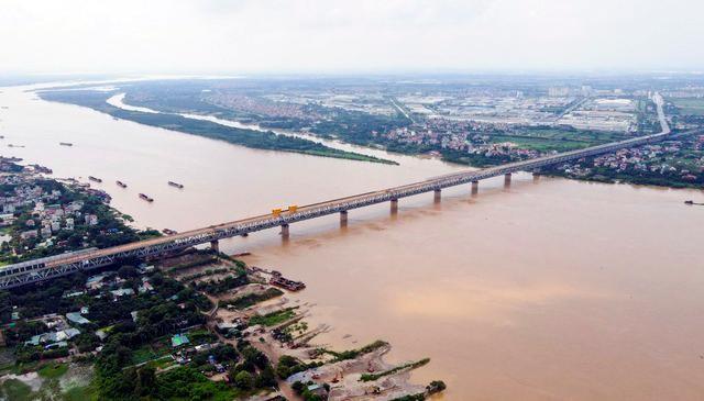 """Hà Nội muốn """"quay mặt"""" ra sông Hồng, tạo trục không gian xanh"""