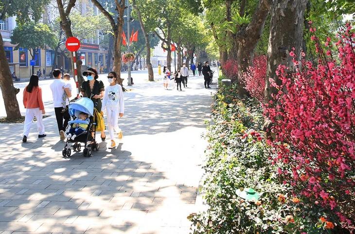 Ngày 13/3, Hà Nội và các tỉnh Bắc Bộ trời nắng, nhiệt độ cao nhất có nơi trên 28 độ. Riêng Điện Biên Phủ nhiệt độ cao nhất có thể lên đến 32 độ