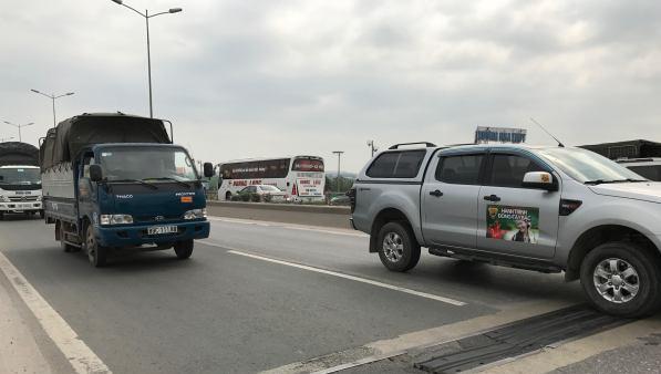 Tốc độ làn xe ô tô trên cầu Thanh Trì đã được điều chỉnh từ 80 km/giờ xuống 60km/giờ. Ảnh: TTXVN