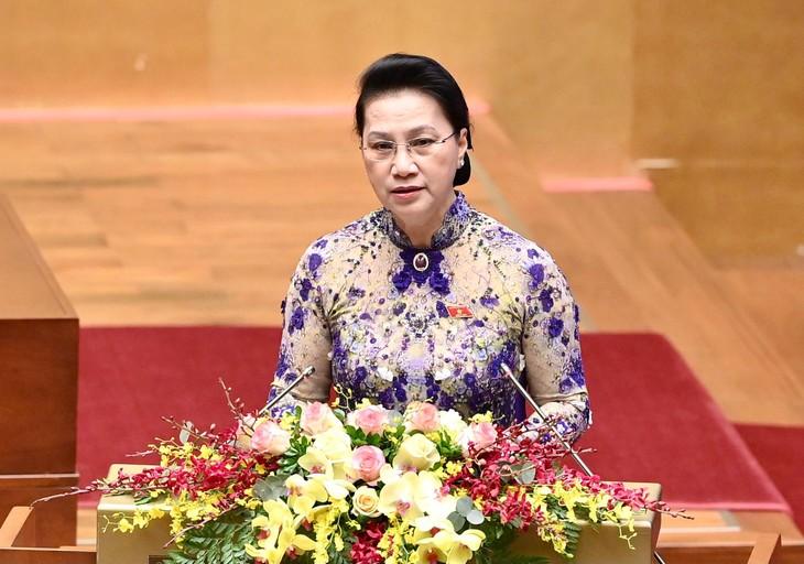 Chủ tịch Quốc hội Nguyễn Thị Kim Ngân trình bày Báo cáo công tác nhiệm kỳ khoá XIV của Quốc hội tại phiên khai mạc Kỳ họp lần thứ 11. Ảnh: VGP
