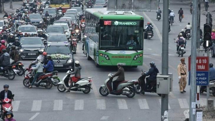 Đầu tư ngàn tỷ cho tuyến buýt nhanh: Giá quá đắt cho thử nghiệm thất bại