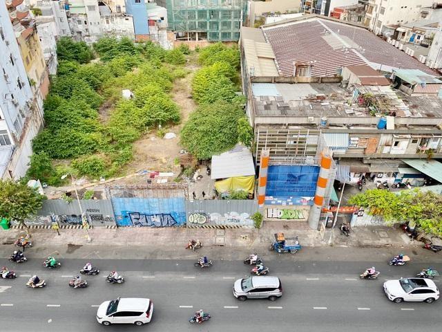 """Khu """"đất vàng"""" nằm trên đường Nguyễn Văn Cừ, Quận 1"""
