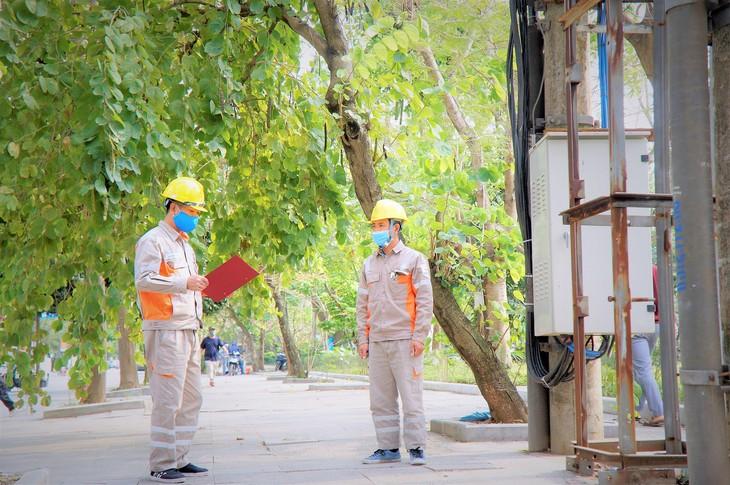 EVNNPC đảm bảo cung cấp điện trong các ngày lễ Giỗ Tổ Hùng Vương, kỷ niệm 30/4 và 1/5