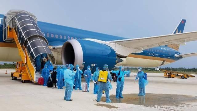 Giám sát, quản lý chặt chẽ các chuyến bay, tiếp nhận, cách ly người nhập cảnh. Ảnh minh họa