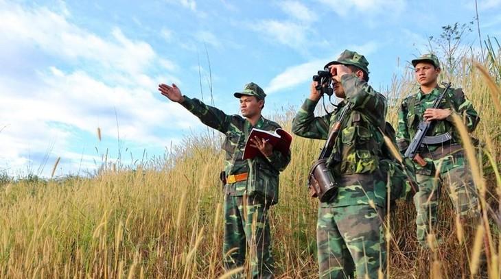 Bộ đội Biên phòng tuần tra khu vực biên giới. Ảnh: TTXVN