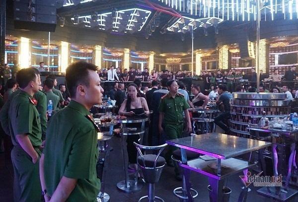 Đà Nẵng tạm dừng hoạt động quán bar, vũ trường và karaoke từ 0h ngày 3/5