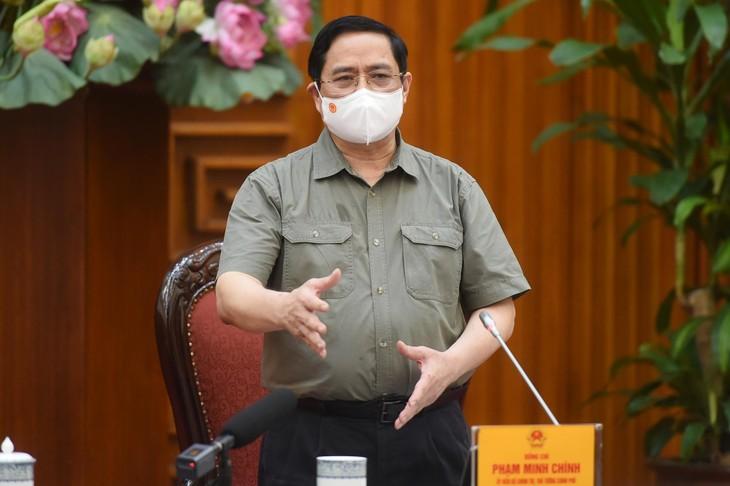 Thủ tướng yêu cầu chấn chỉnh, nâng cao hiệu quả công tác phòng, chống dịch COVID-19. Ảnh: VGP