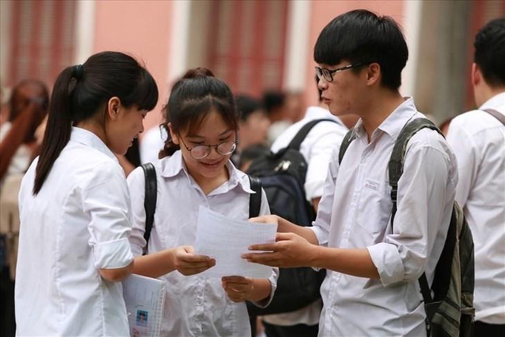 Học sinh tại TPHCM sẽ dự thi tuyển sinh lớp 10 vào ngày 2-3/6. Ảnh minh hoạ