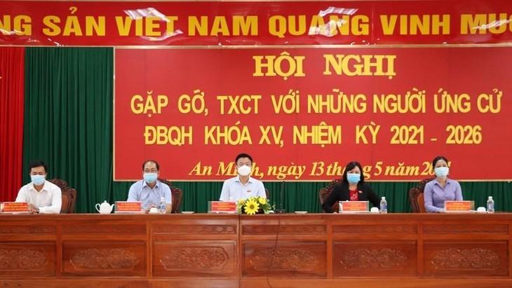 Các ứng viên ĐBQH khóa XV tại tỉnh Kiên Giang tiếp xúc cử tri, vận động bầu cử
