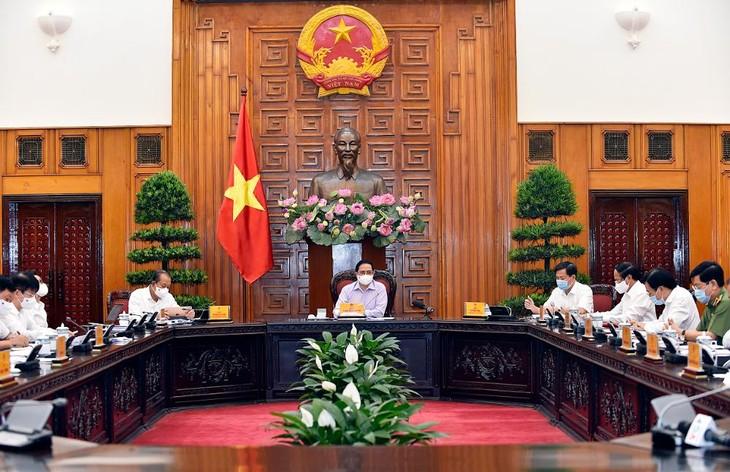 Thủ tướng Phạm Minh Chính chủ trì họp Thường trực Chính phủ về công tác tổ chức bầu cử. Ảnh: VGP