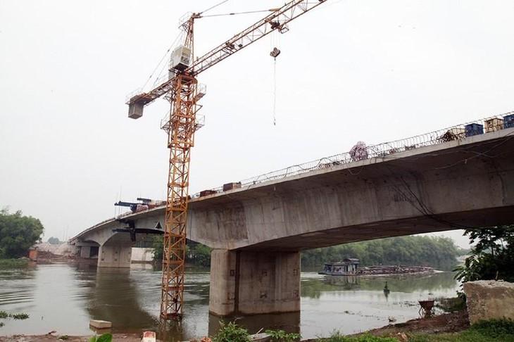 Cầu Đồng Sơn trong quá trình thi công