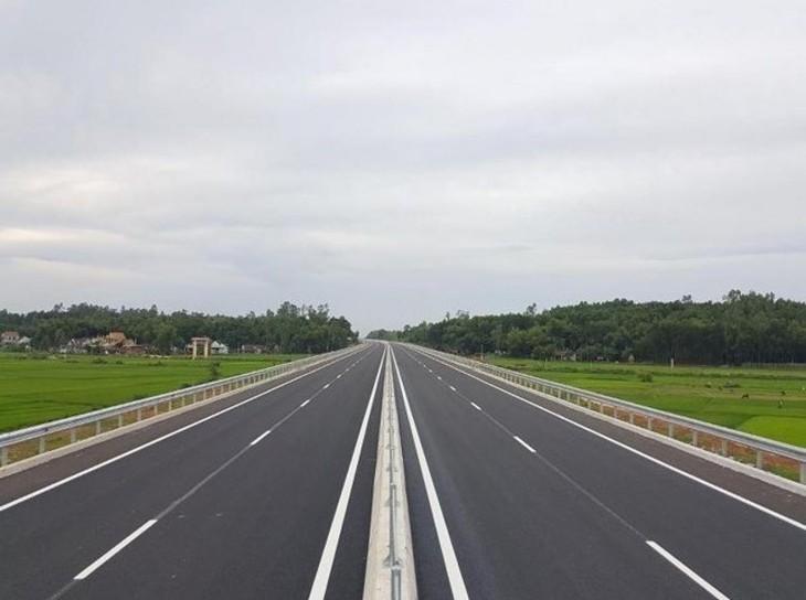 Dự án cao tốc TP.HCM–Thủ Dầu Một–Chơn Thành dài khoảng 70 km. Ảnh minh họa