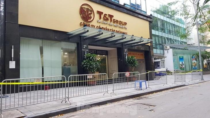 Rào chắn, phong toả Trụ sở Tập đoàn T&T trên phố Phạm Sư Mạnh để phòng chống COVID-19