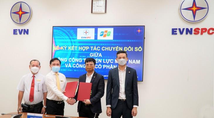 EVNSPC và FPT hính thức ký kết thỏa thuận hợp tác chiến lược về lĩnh vực chuyển đổi số trong hệ thống Quản trị, Kinh doanh điện năng