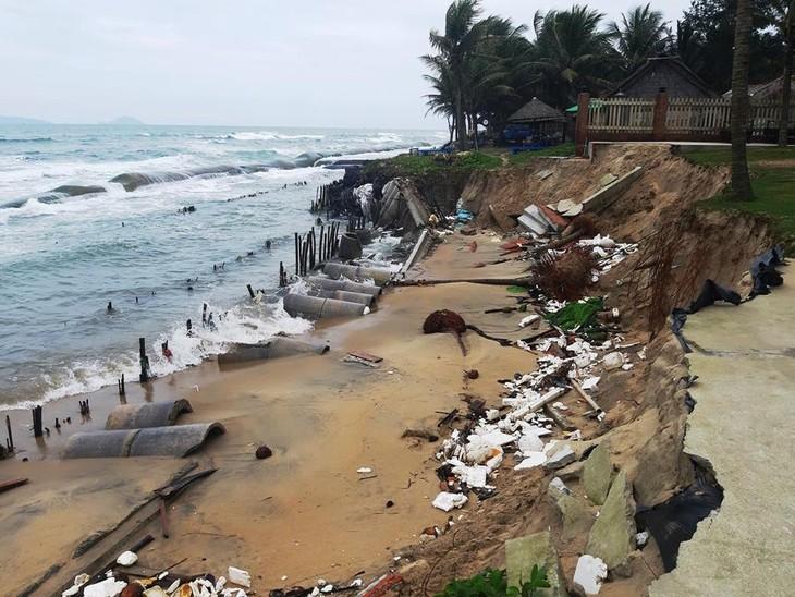 Tỉnh Quảng Nam đầu tư 300 tỷ đồng chống xói lở khẩn cấp bờ biển Cửa Đại. Ảnh Hữu Trà