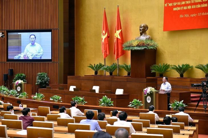 Trưởng Ban Tuyên giáo Trung ương Nguyễn Trọng Nghĩa phát biểu kết luận Hội nghị. Ảnh: VGP