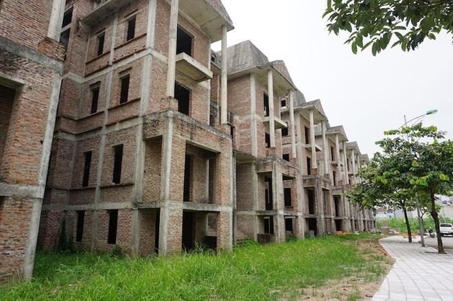 Hàng trăm ngôi biệt thự kiểu Pháp bỏ hoang, chỉ lác đác vài người ở
