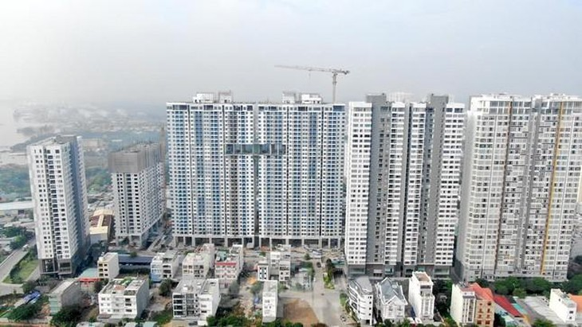 Tại Khu dân cư phường Phú Thuận, Quận 7, trước thời điểm Hội đồng thẩm định giá đất TPHCM phê duyệt giá trị quyền sử dụng đất, UBND Quận 7 đã điều chỉnh quy hoạch chi tiết 1/500 qua đó làm giảm giá trị quyền sử dụng đất của toàn bộ dự án.
