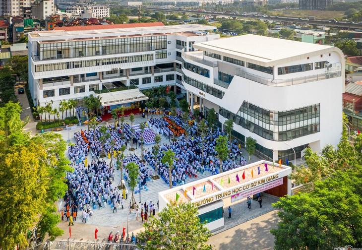 Trường THCS Kim Giang vừa có quyết định chấm dứt hợp đồng Gói thầu số 6 Cung cấp dịch vụ vệ sinh công nghiệp năm 2021 với Công ty CP HQ Pro. Ảnh chỉ mang tính minh họa. Nguồn Internet