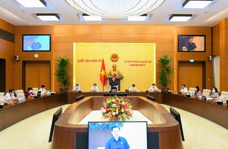 Chủ tịch Quốc hội Vương Đình Huệ phát biểu khai mạc Phiên họp thứ 57 của Ủy ban Thường vụ Quốc hội.