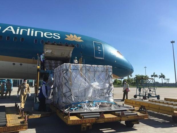 500.000 liều vaccine Vero-Cell của Sinopharm đã về đến Sân bay Quốc tế Nội Bài. Ảnh: PV/Vietnam+