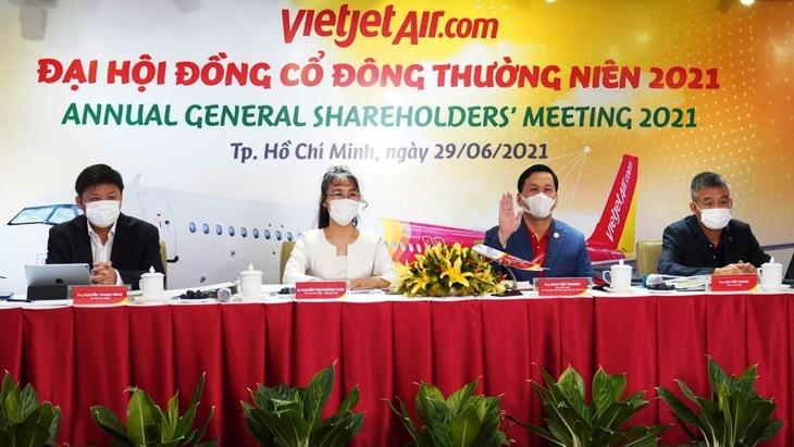 Đại hội cổ đông Công ty CP Hàng không Vietjet đã thông qua kế hoạch doanh thu hợp nhất năm 2021 tăng 20% so với năm 2020. Ảnh: Hữu Tài