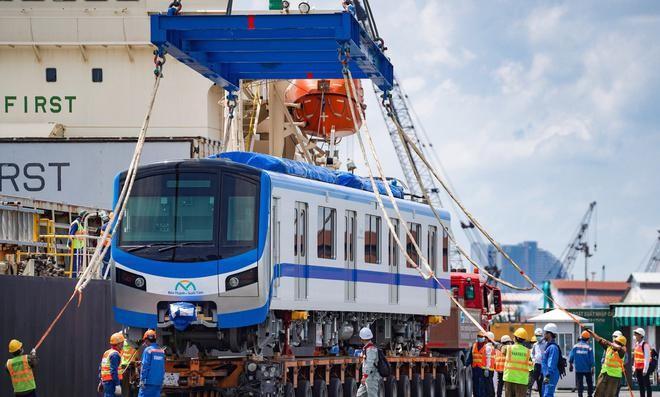 5 đoàn tàu metro số 1 được nhập khẩu từ Nhật về TP.HCM, từ tháng 10/2020 đến nay