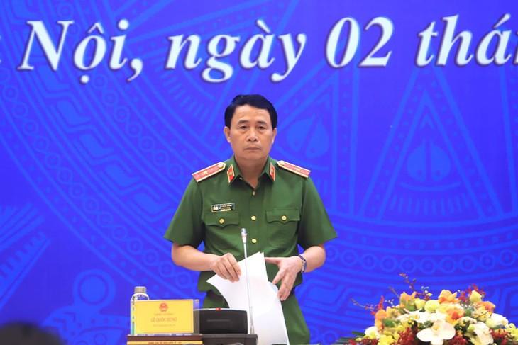 Thiếu tướng Lê Quốc Hùng trả lời tại họp báo.