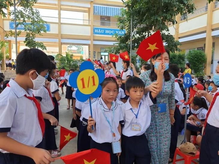 Thực hiện Chỉ thị 16, TPHCM tạm ngưng tuyển sinh đầu cấp năm học 2021-2022