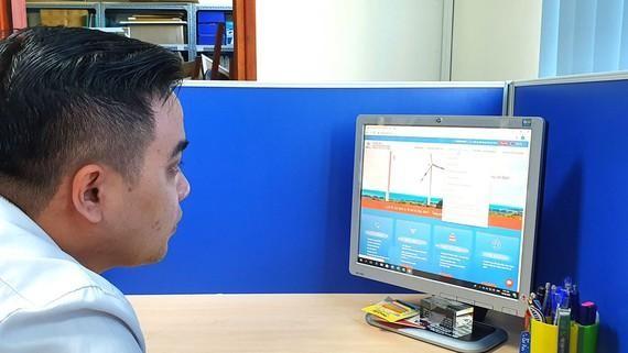 EVNHCMC kêu gọi khách hàng giao dịch trực tuyến