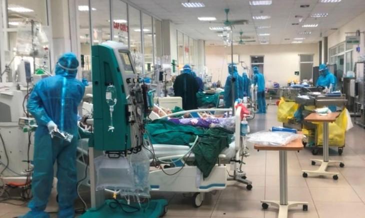 Bộ Y tế điều phối gấp 2.000 máy thở cho TP.HCM
