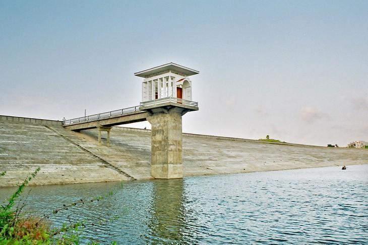 Quảng Ninh: Công bố hợp đồng dự án hồ chứa nước 500 tỷ đồng