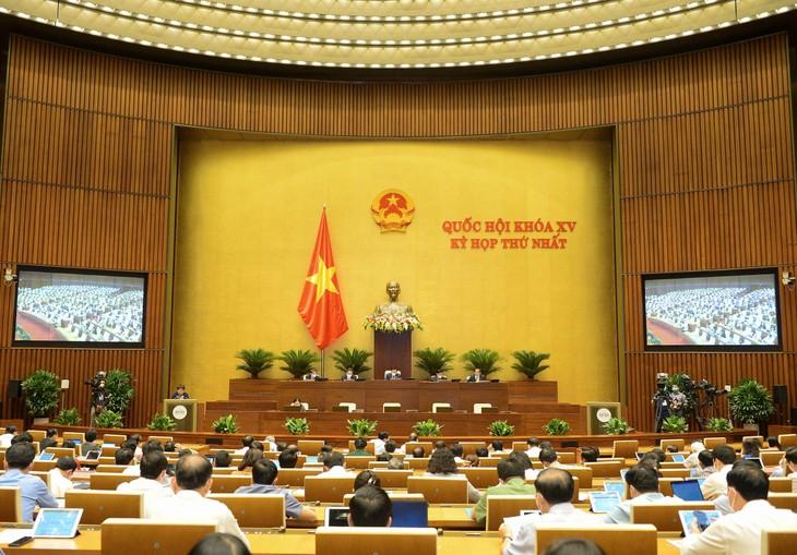 Ngày 25/7, Quốc hội tiếp tục làm việc và thảo luận về tình hình kinh tế - xã hội