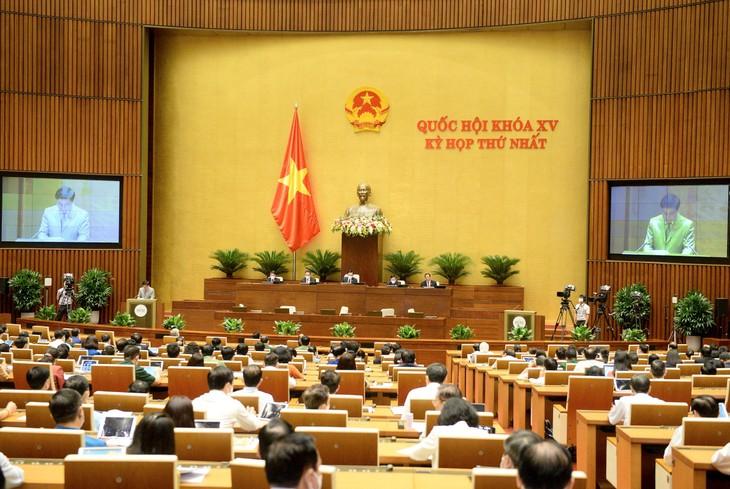 Chiều 25/7, Quốc hội thảo luận, biểu quyết thông qua Nghị quyết về Chương trình giám sát của Quốc hội năm 2022.