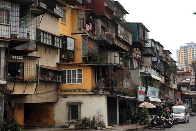 Hà Nội có cả nghìn chung cư cũ, xuống cấp.