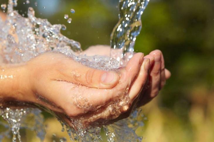 Tiếp theo việc hỗ trợ giảm tiền điện, người dân bị ảnh hưởng dịch Covid-19 được điều chỉnh giảm giá nước sạch