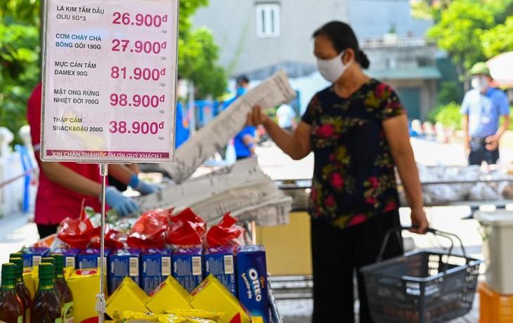 Siêu thị lưu động ngoài trời đầu tiên ở Hà Nội