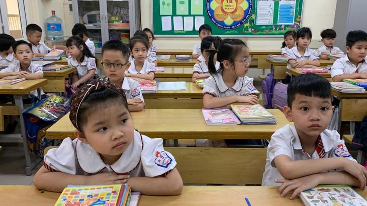 Học sinh lớp 1, 2 tại Hà Nội không phải làm bài kiểm tra cuối năm vì chưa thể đến trường do dịch Covid-19