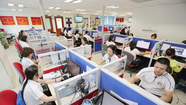 Tên định danh hiển thị trên điện thoại di động sẽ giúp cho khách hàng biết là đang giao dịch với nhân viên của EVNHCMC. Ảnh Thanh Vũ
