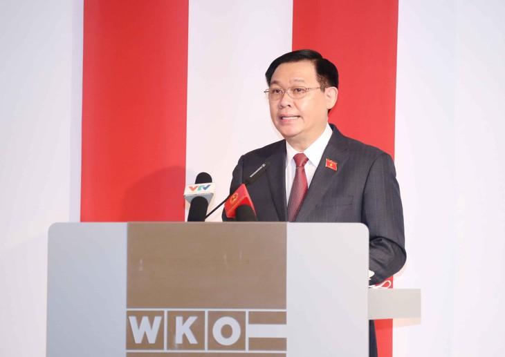 Chủ tịch Quốc hội Vương Đình Huệ phát biểu tại Diễn đàn. Ảnh: VGP