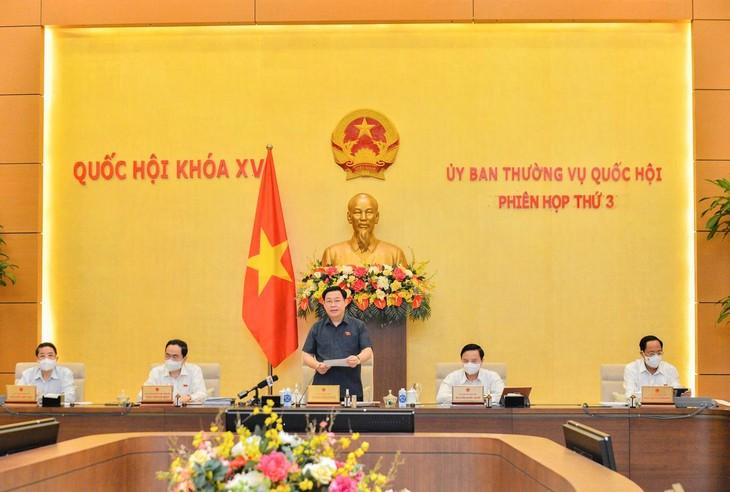 Chủ tịch Quốc hội Vương Đình Huệ phát biểu khai mạc phiên họp