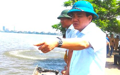 Ông Nguyễn Đức Chung bị cáo buộc chỉ đạo mua chế phẩm xử lý nước hồ thông qua công ty gia đình
