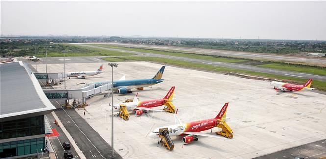 Máy bay các hãng hàng không tại Cảng hàng không quốc tế Cát Bi (Hải Phòng). Ảnh tư liệu: TTXVN phát