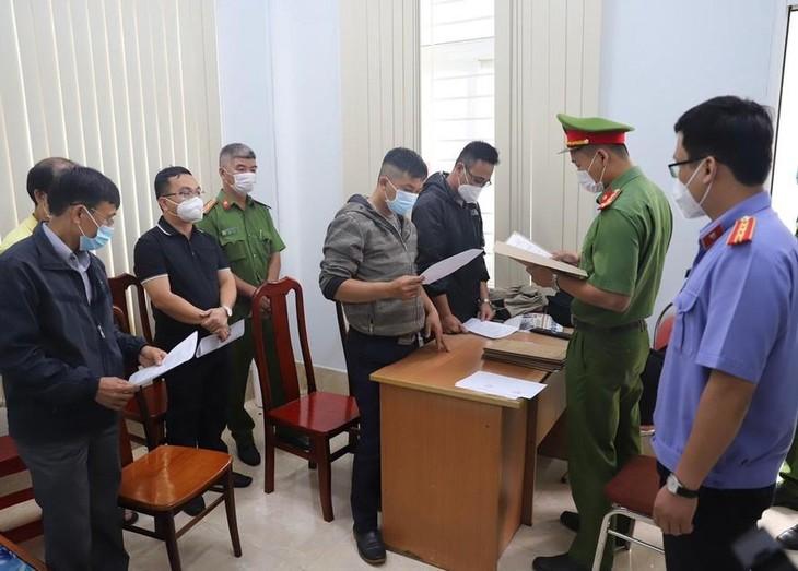 Cơ quan điều tra đọc lệnh bắt tạm giam các bị can