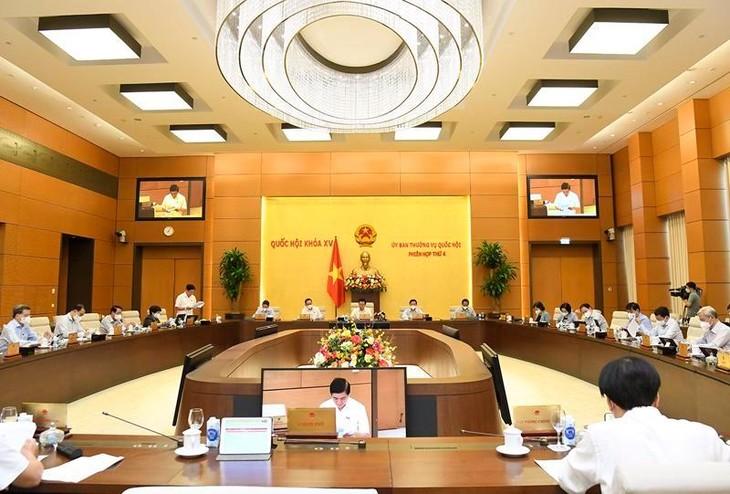 Toàn cảnh phiên họp của Ủy ban Thường vụ Quốc hội chiều 13/10 . Ảnh: Quochoi.vn