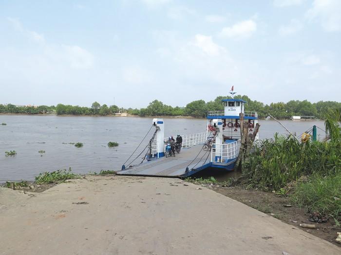 2/3 bến khách ngang sông của cả nước đang tập trung tại khu vực Đồng bằng sông Cửu Long. Ảnh: Văn Huyền